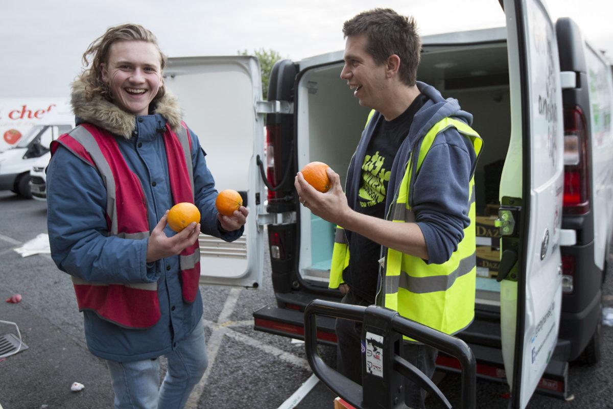 Fruit And Veg Customer Profile April 2017 City Harvest Bevington Salad Checking Oranges